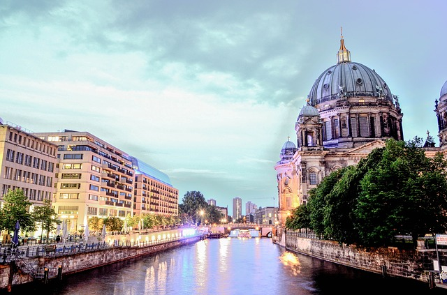 berlin-cathedral-1882397_640